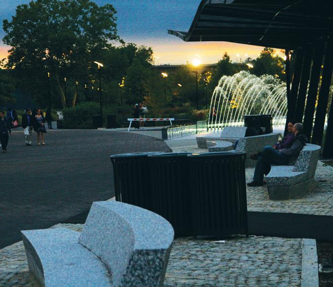 Unveiled Waterfront Park Makes a Splash