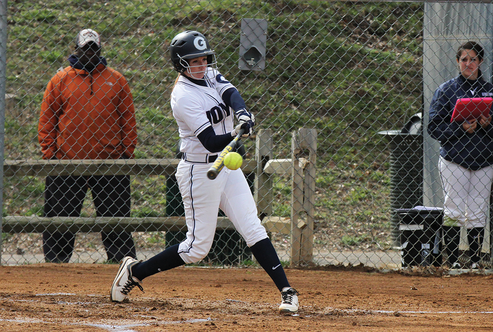 SOFTBALL | Surging GU Splits at UConn