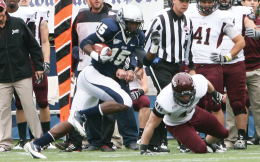 FILE PHOTO: CHRIS BIEN/THE HOYA Redshirt sophomore Jamal Davis, shown against Colgate, finished second on the team in receiving with 31 receptions for 386 yards. The Hoyas finished 8-3, good for second in the Patriot League.