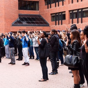 MICHELLE XU/THE HOYA Students participating in the silent demonstration in Red Square on Tuesday.