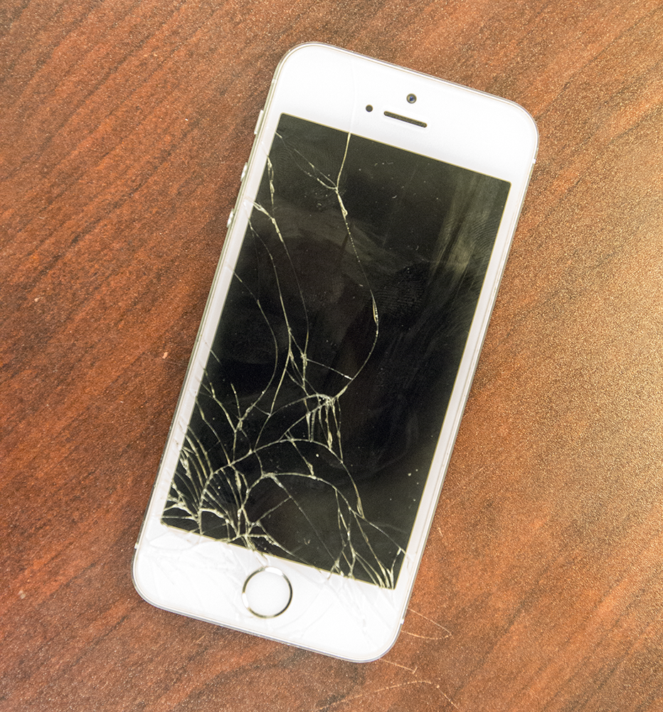 iphone screen cracked student company fixes iphone screens 12274