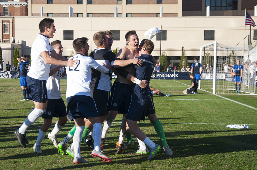 Men's Soccer to Play Hofstra Pride in 2nd Round of NCAA Tournament