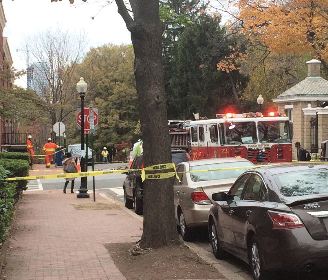 WILL ZHU/THE HOYA A gas leak on 37 and O streets caused the Georgetown University Police Department to close down the main gates and Copley Lawn on Monday.