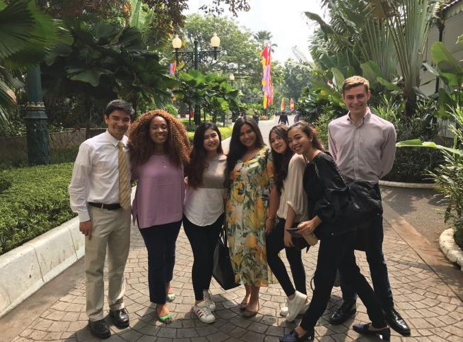 Students Research Urban Development in Jakarta